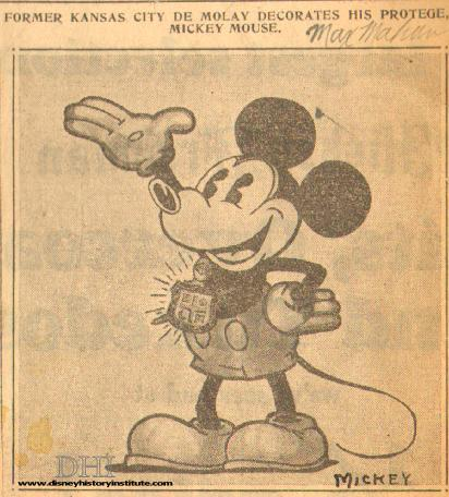 MEMBER MICKEY MOUSE-Kansas Cityan Decorates Protege