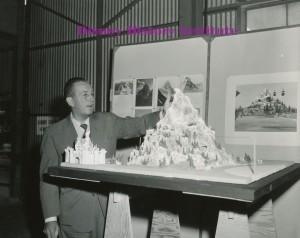 Dhi Disneyland Birthday Celebration Matterhorn Model