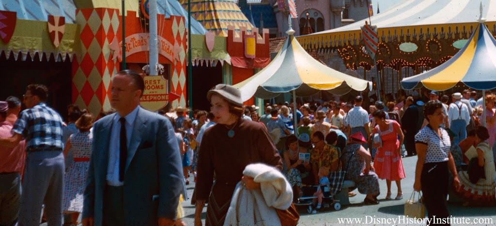 Canon Style – Disneyland in the 1950s