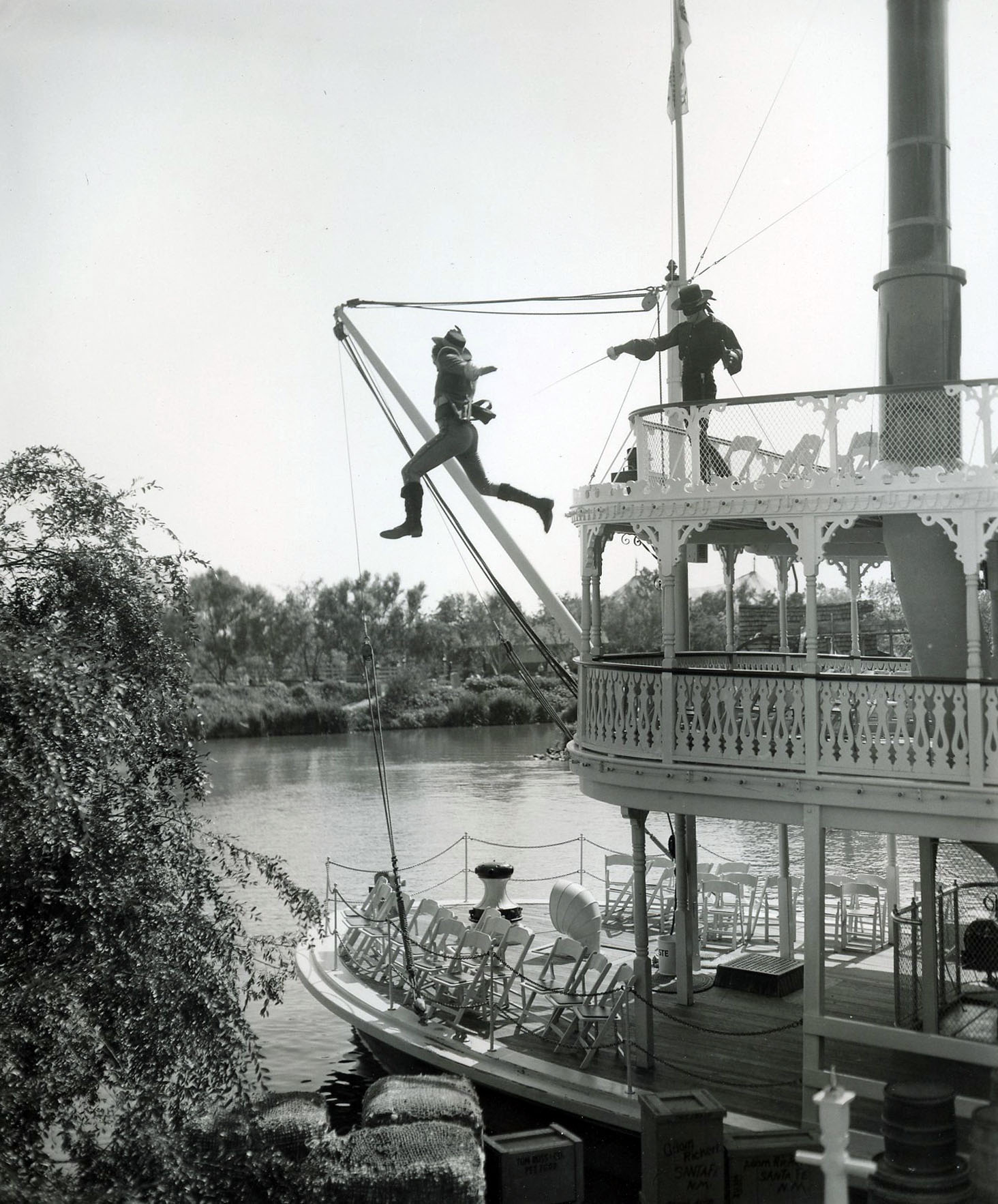 American Experience: Early Problems? - Disney History Institute