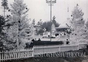 Disneyland Christmas 1995 C