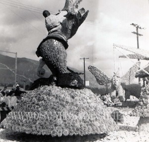 Rose Parade 1955 Mickey Mouse Detail WM